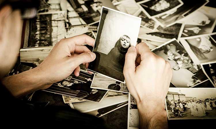 disfrutar fotos viejas en pareja