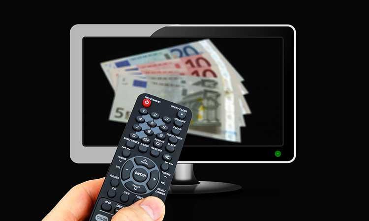 Elektronische Geräte ausschalten, Geld im Fernsehr